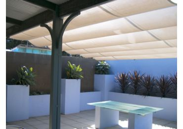 Shade Runner Pleated Patio on Steel Cables